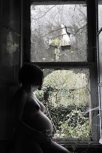 marie bienaime artriste photographe, durare ubique in perpetuum, hommage maternité, serie photographique, autoportraits